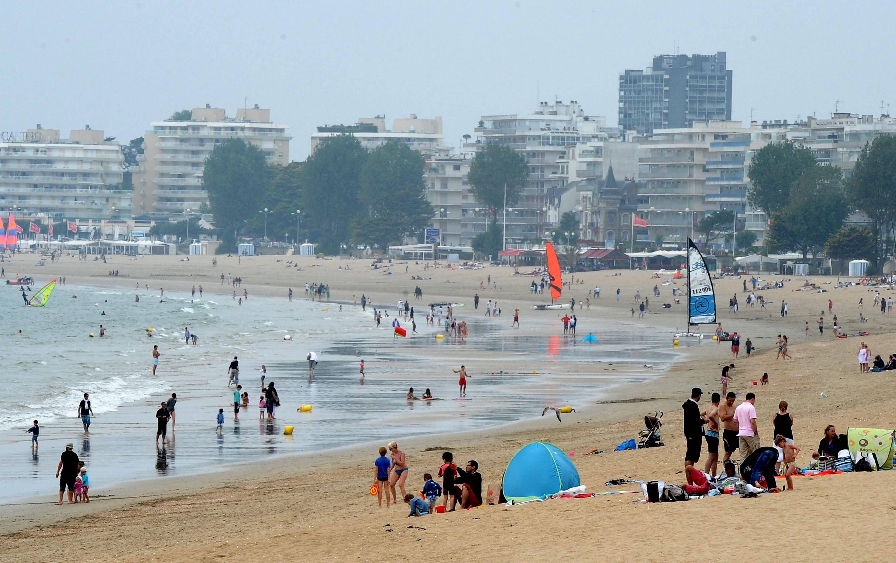 Du monde et du soleil sur les plages de l ouest - La baule office du tourisme ...